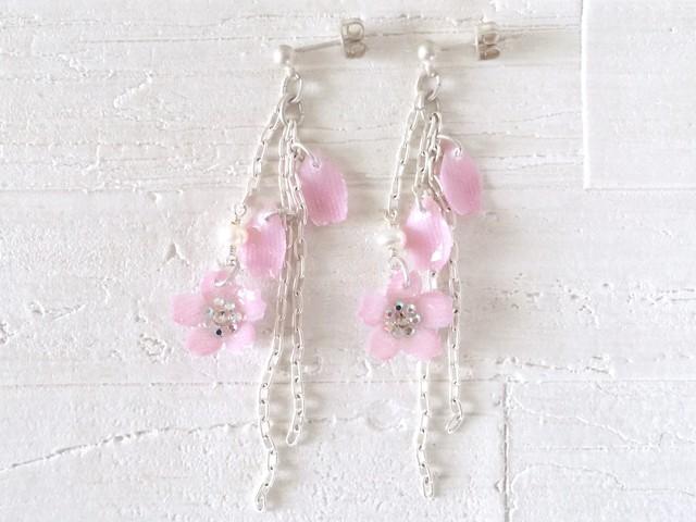 02【季節限定】桜のピアス(イヤリング)