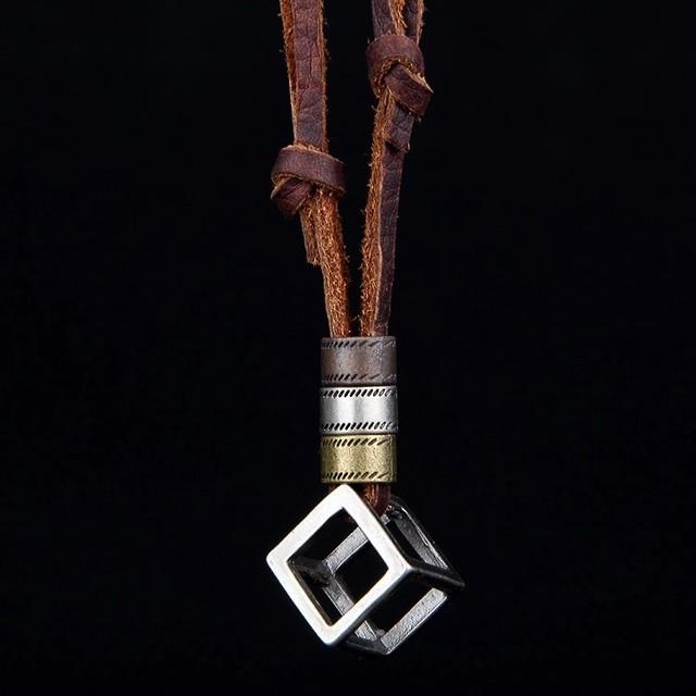 【大人気】ボックスデザインネックレス