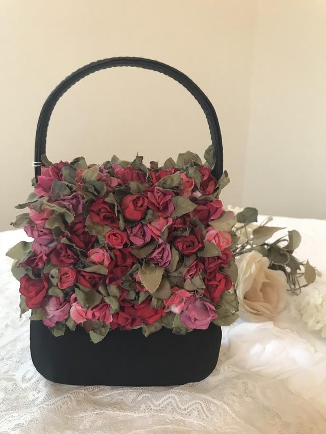 ヴィンテージ 薔薇の花々がついたプチバッグ