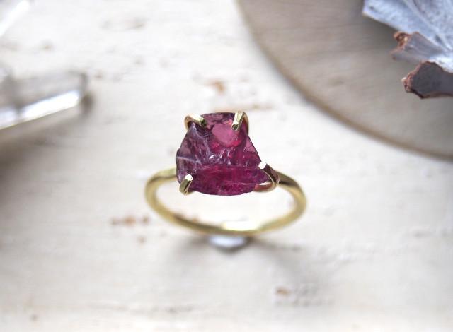 [一点物]原石のロードライトガーネットのリング