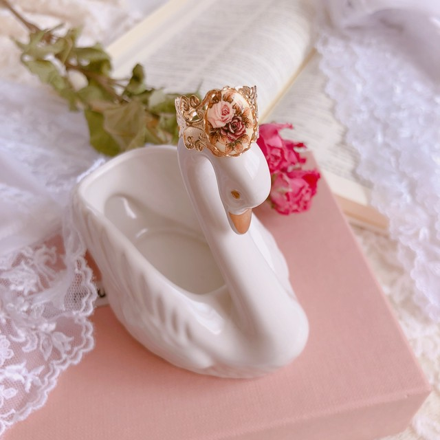 Antique Rose Cabochon _ Lace Ring