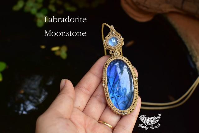 蒼い宇宙と月★ムーンストーン ラブラドライト マクラメペンダントmoon038