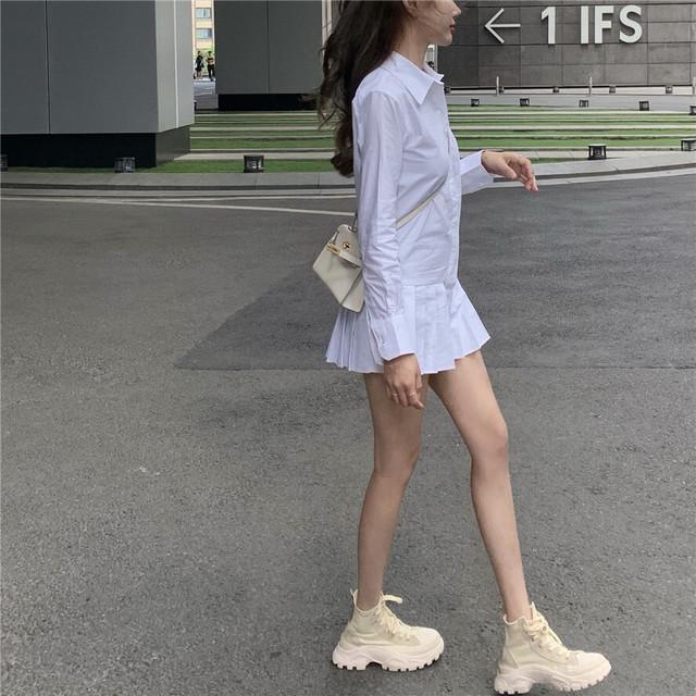 プリーツ裾 長め丈 長袖 白シャツ チュニック 無地 春秋 シンプル ガーリー 個性的 カジュアル お出かけ デート