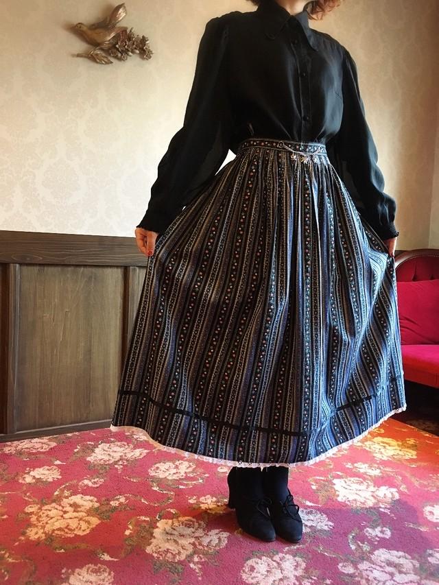ブラックブルー チェーン付きスカート