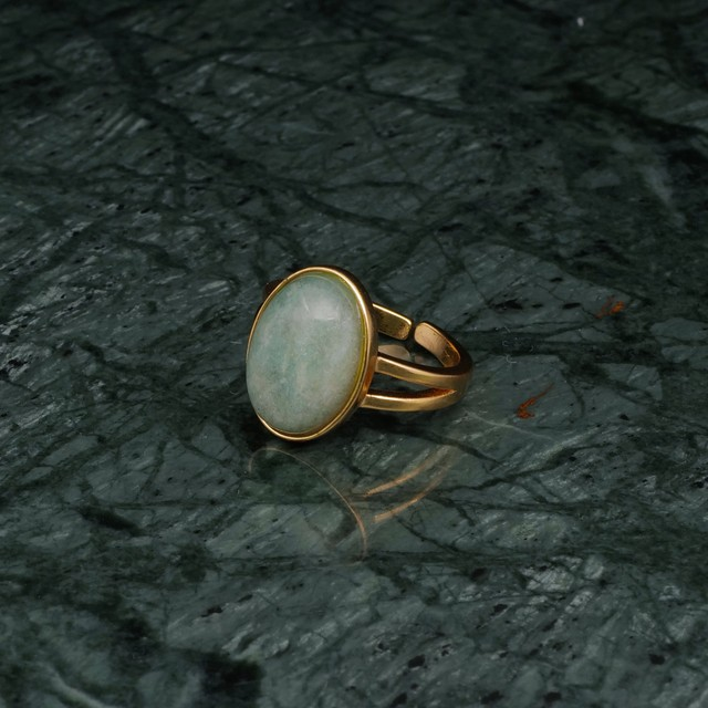 OVAL BIG STONE RING GOLD 001