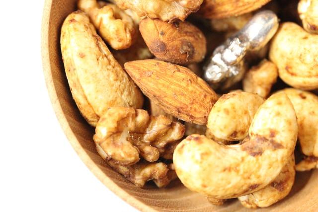 プレミアムナッツジャパネスク柚子胡椒醤油