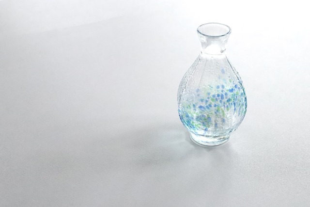 【SP3D30-02】『和ガラス』『手作りのガラス徳利』  『花つづり』   日本酒 ガラス盃 手作り 風情ある ハンドメイド