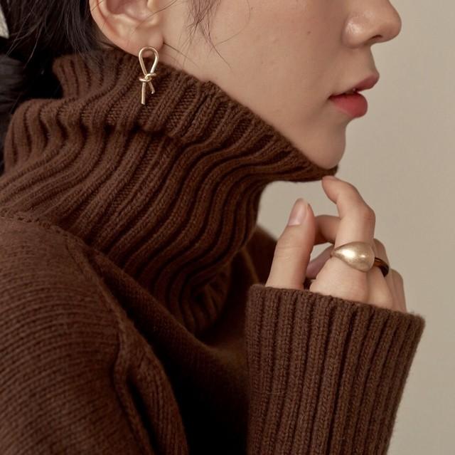 simple knot pierce gold