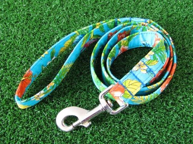 ドッグリード BLUE/ハイビスカス柄【ブルーのベースにオレンジやホワイトの花、グリーンがいっぱい!!ハワイ感満載です!】【ハワイ】