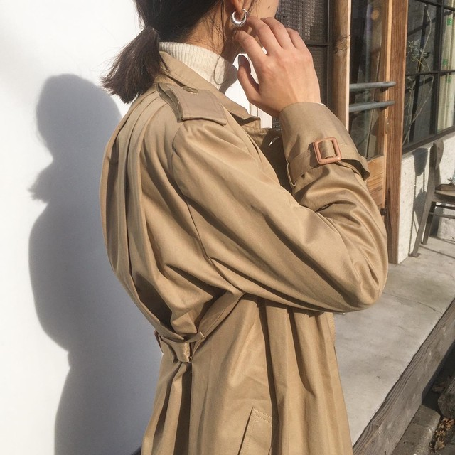 "USED "" tuck classical trench coat  """