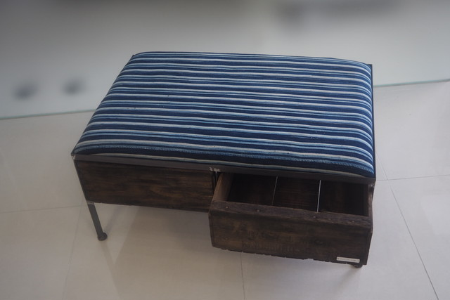 品番UAIW-121  2drawer ottoman[wide/African indigo batik tribal]