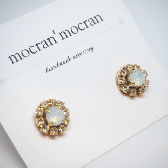 【mocran'mocran】カラフルオパールピアス/イヤリング(白)