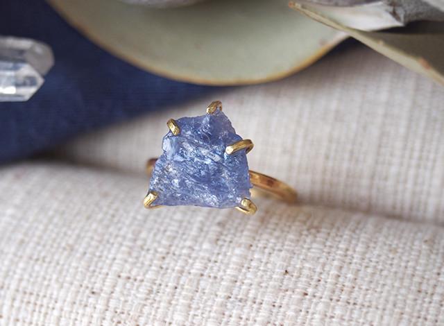 [一点物]原石のタンザナイトのリング
