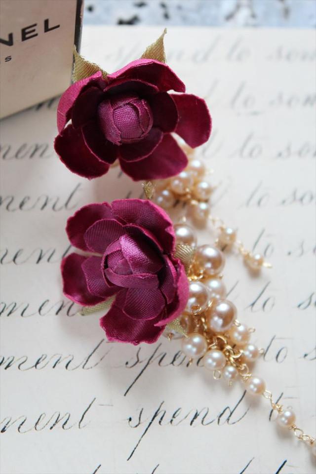 ボルドーの薔薇、バックキャッチパールのピアス