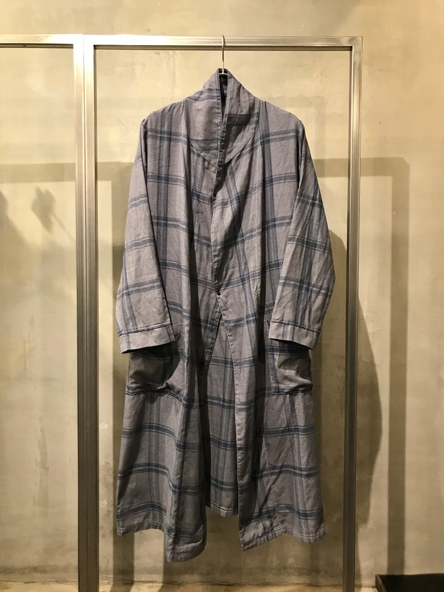 TrAnsference reshaped light flannel check gown - imperfection black effect