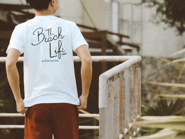 【5/22 21:00販売開始】 Beach Life in CAL Tシャツ(white)