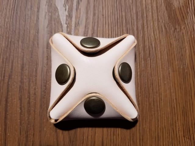 四方開きのコインケース(ナチュラル)