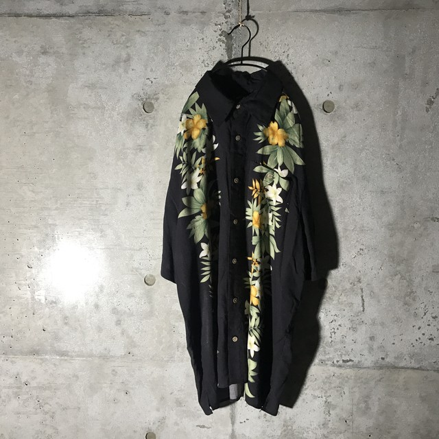 [used] two flower lineed shirt