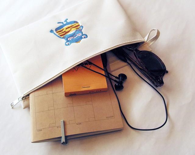 刺繍ポーチ ミルキーベージュ(G00002-03)
