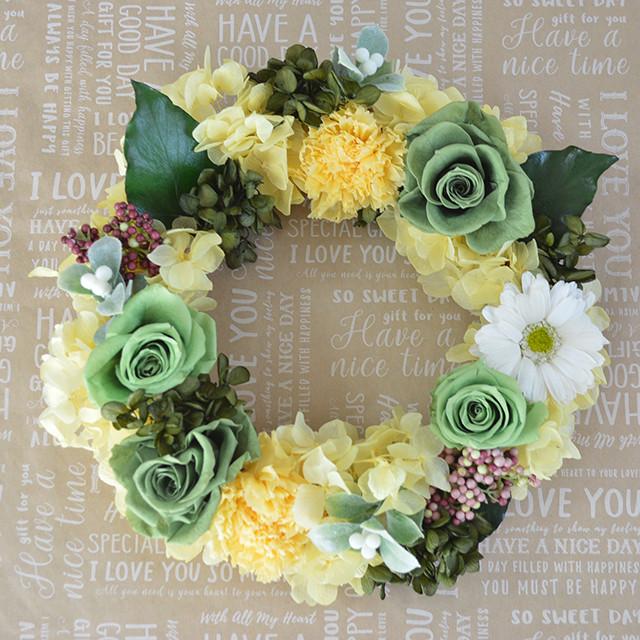 お部屋や玄関のインテリアに*豊富なバラと紫陽花の爽やかリース