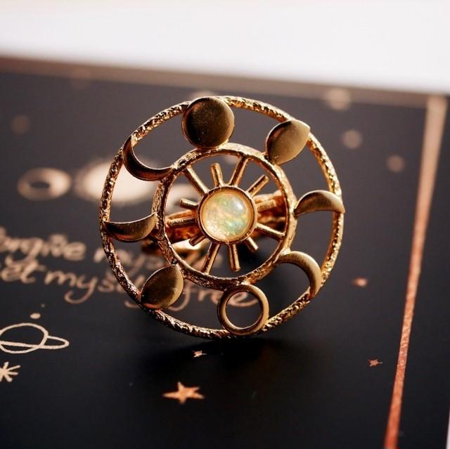 近日再販決定/エチオピアンオパール ムーンフェイズリング(指輪)
