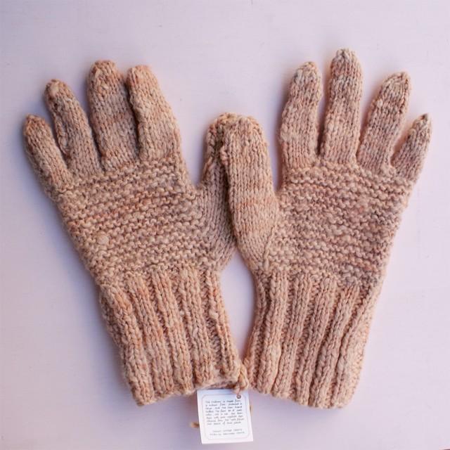 草木染め 手編みの手袋 無地②