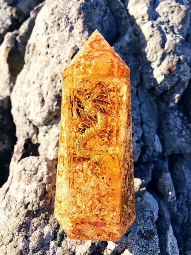 《マイホームを持ちたい人へ》水晶ポイント型オルゴナイト・金龍
