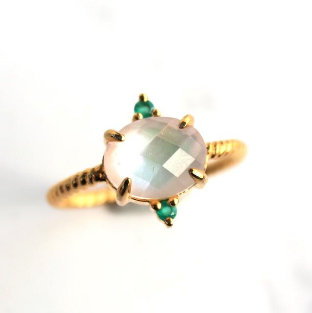 16号 Twist ring+2stone 白蝶貝+水晶・グリーンオニキス