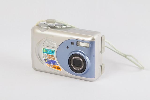 ニコン coolpix 2000