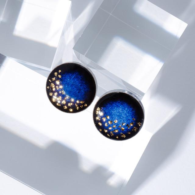 藍色 丸 美濃焼 星屑のイヤリング ピアス 陶器