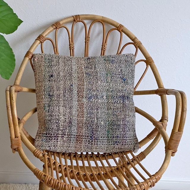 手織り キリム クッション 小 C022