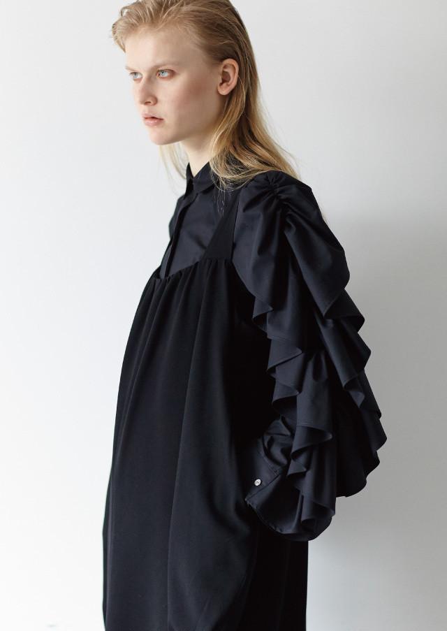 Ruffle shoulder shirts