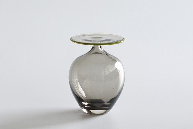 decorative vase no.10 / qualia-glassworks