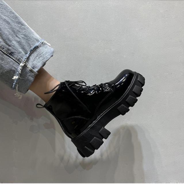 Black shoes osh1