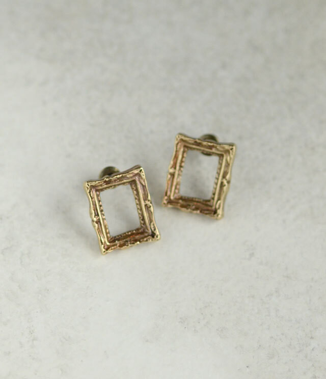 Picture frame ピアス