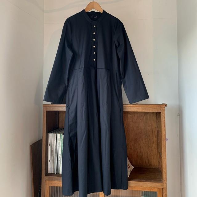 ☆SALE パウダリーストレッチ タックドレス(少々難あり)