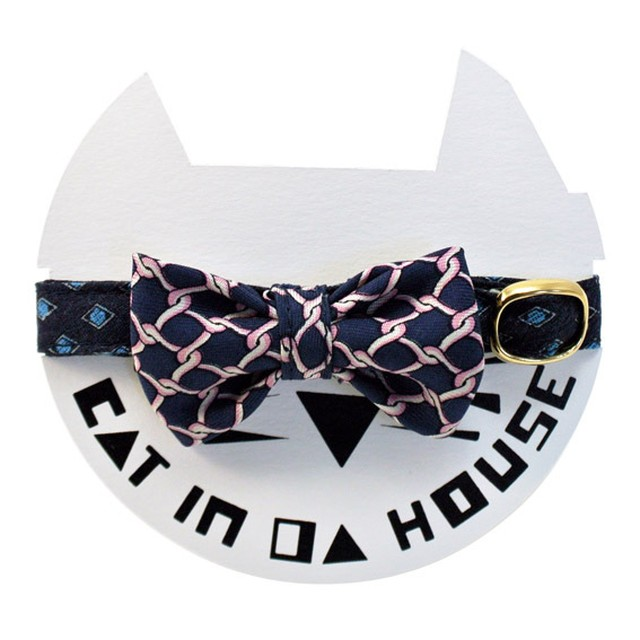 cat's collar vintage printed fabric