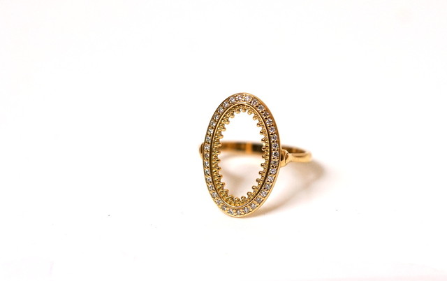 granulation oval pave ring / dia
