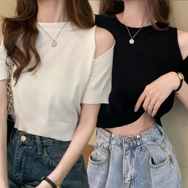 Tシャツ オープンショルダー サマーニット 半袖 ショート丈 へそ出し 肩開き 肩出し 薄手 韓国ファッション レディース ニットソー トップス 大人可愛い ガーリー / Ice Silk Sweater Off Shoulder T-shirt (DTC-641617303398)