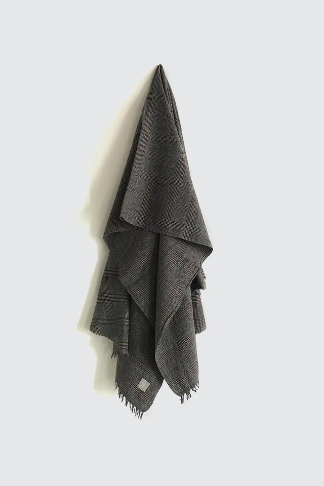 01512-2 glencheck semicircle cut stole / brown