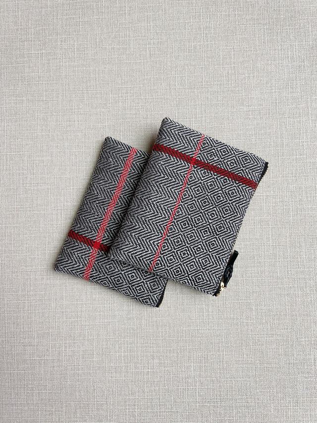 HAND WOVEN POUCH 14cm RED LINE #1 (手織りミニポーチライン#1)