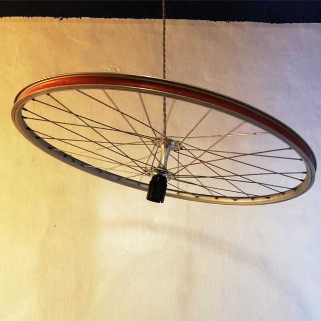 【フェア商品】自転車のホイルがついたペンダントライト