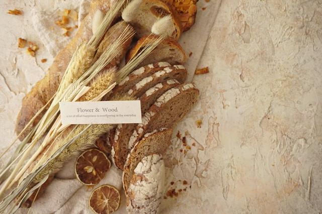 A1サイズ:フランスジベルニー|石畳の街並み風|漆喰系|ベージュ|写真撮影用|背景|スタイリングボード|大阪
