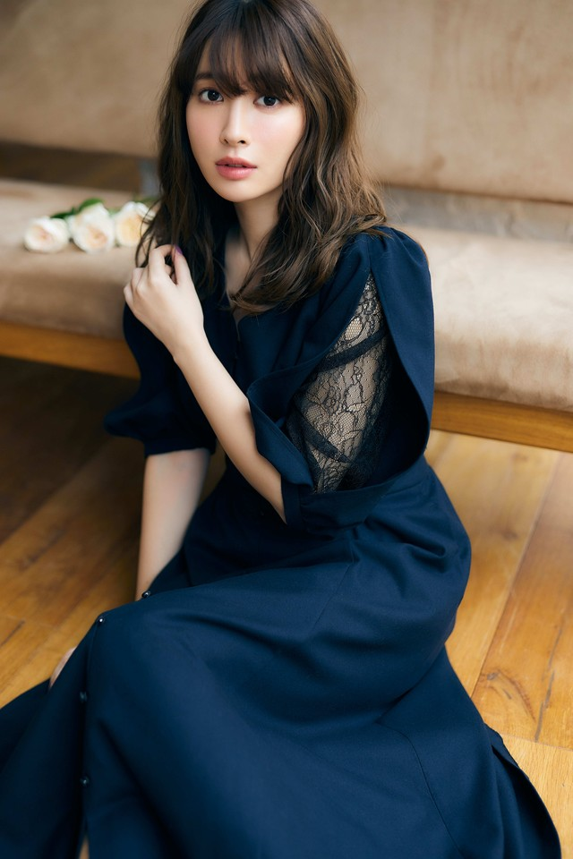 Inner Lace Sleeve One-Piece〈Navy〉