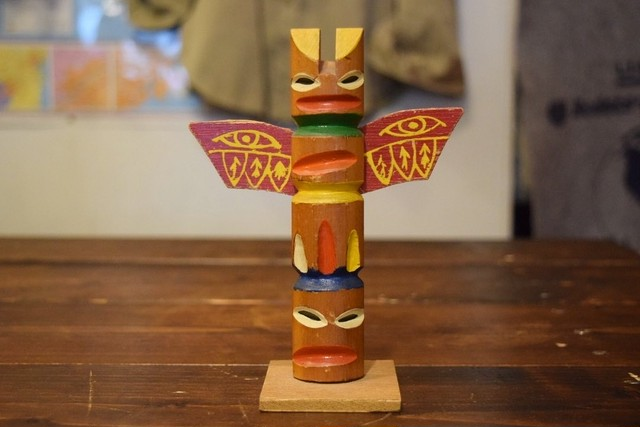 USED Handcraft wooden Totem pole Vintage G0271