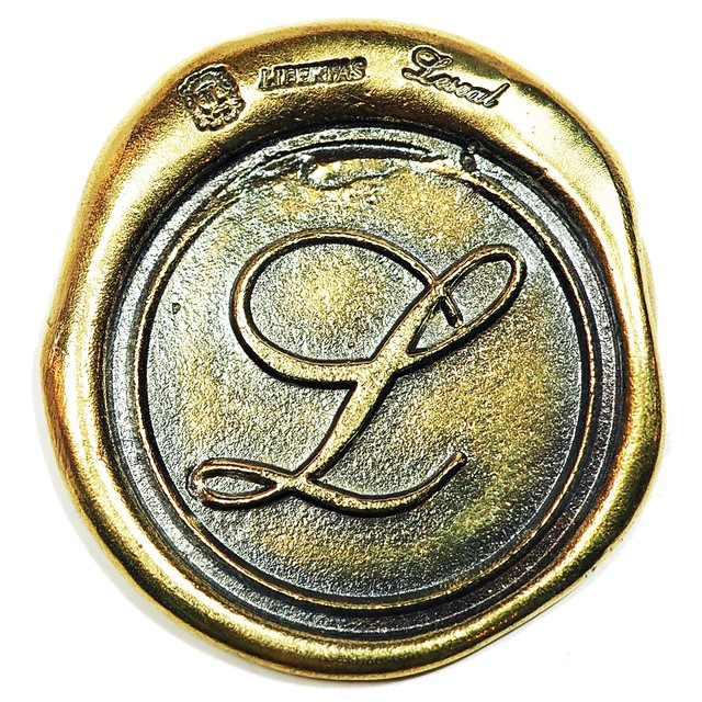 シーリングリベルタス LL ブラス / コンチョボタン