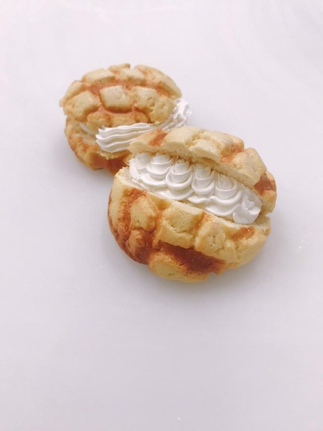 メロンクリームパン