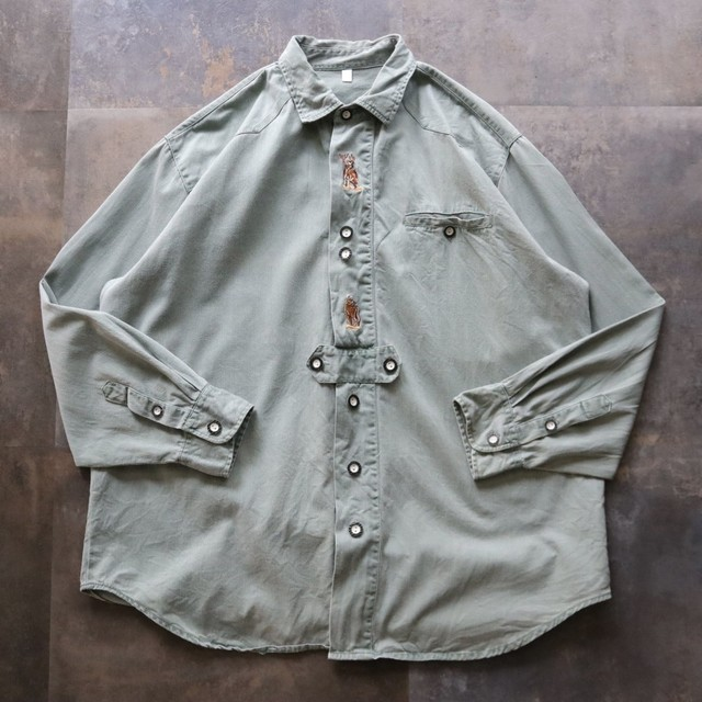 Tyrolean embroidery shirt