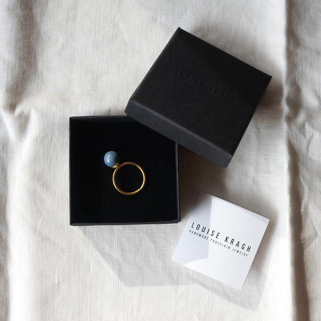 ルイーゼ・クラー リング (ポーセリン・パール/ブルーグレイ)  Louise Kragh Ring with Porcelain Pearl, Blue gray