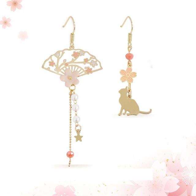 ピアス 耳飾り アクセサリー 可愛い オリジナル 大人気 デート プレゼント 桜と猫 不規則 ピンク